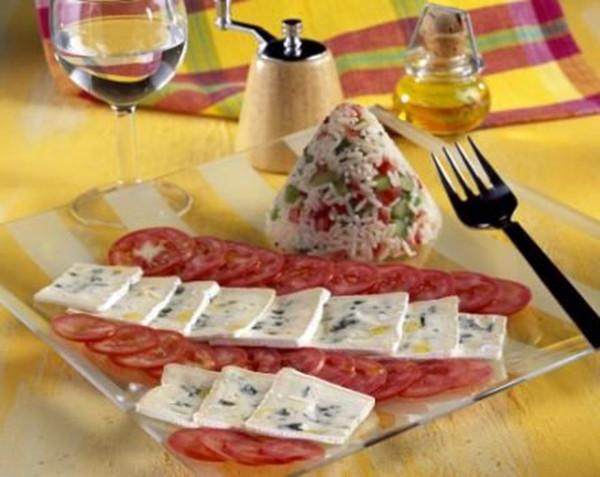 Carpaccio de tomates au Bresse bleu