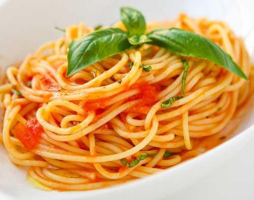 Les spaghetti pomodoro e basilico
