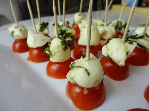 Bouchées de tomates et mozzarella