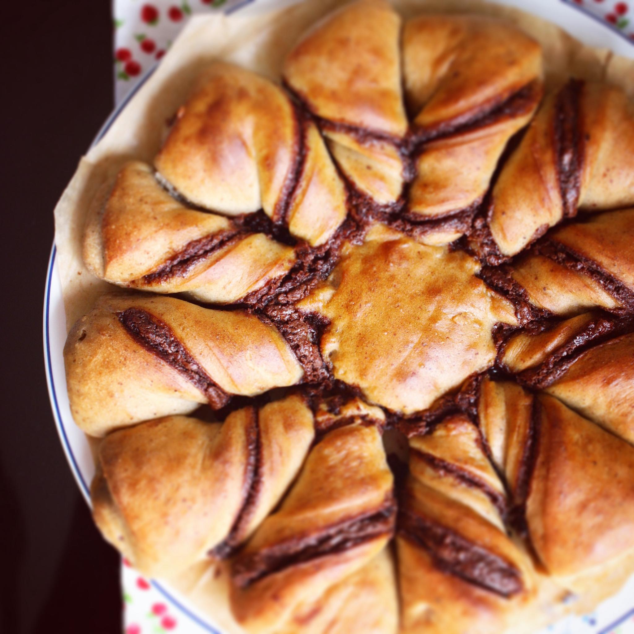 Brioche étoile à la pâte à tartiner