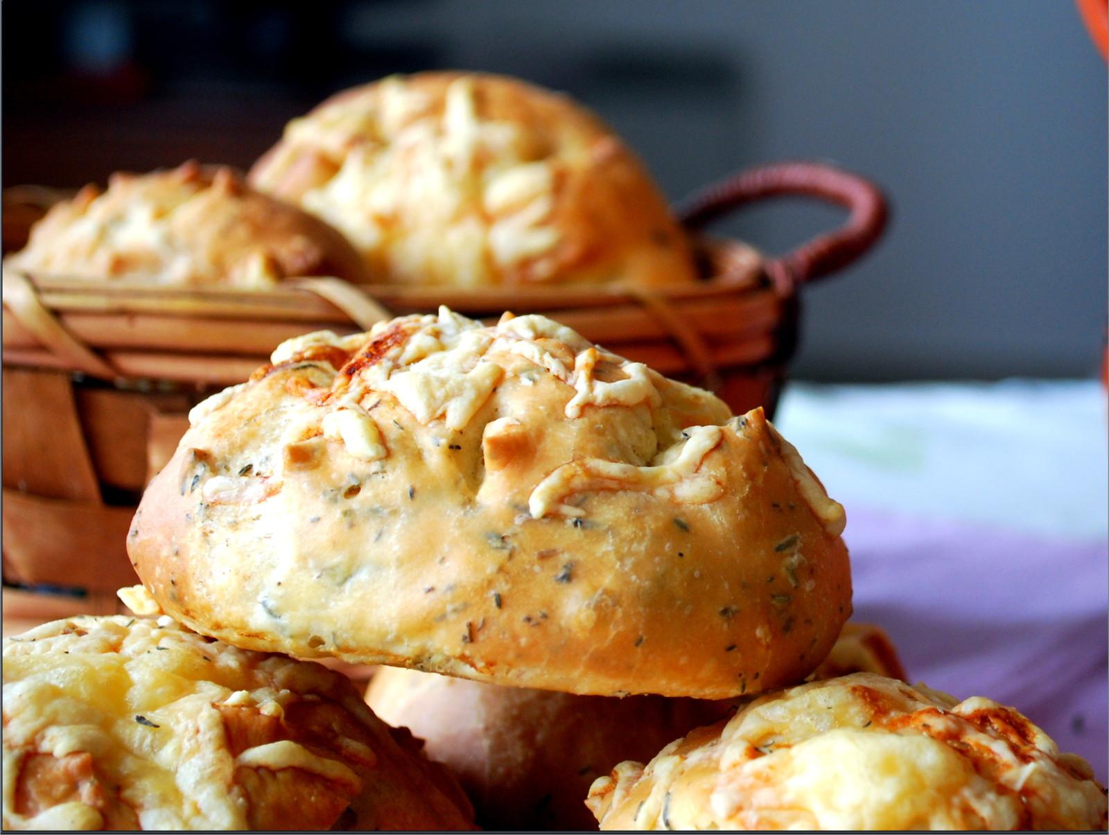 pain-au-thym-et-fromage.j