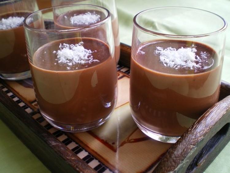 panna-cotta-au-chocolat-et-noix-de-coco