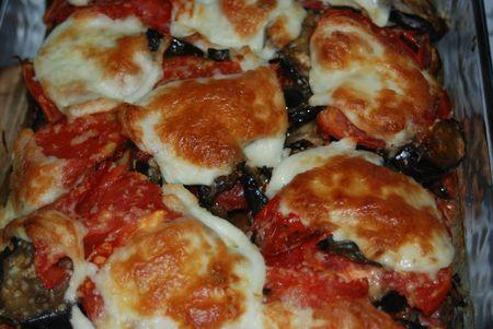 Gratin d'aubergines à la tomate et mozzarella