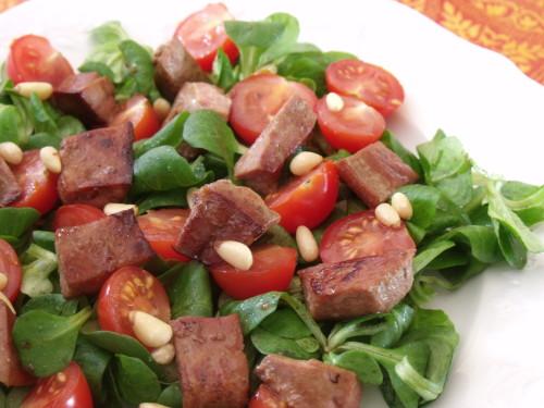 Foie de veau poêlé en salade