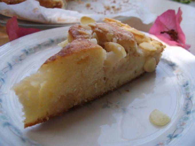 Gâteau à la pâte d'amande et pommes