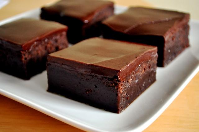 Brownie au mascarpone et ganache au chocolatr.
