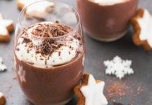Verrine de mousse au chocolat de Noël et ses biscuits à la cannelle
